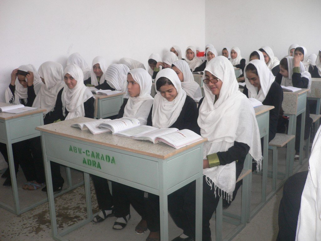 100 Classrooms Project: Fatemi Balkhy High School – 45 Classrooms 115 Benches