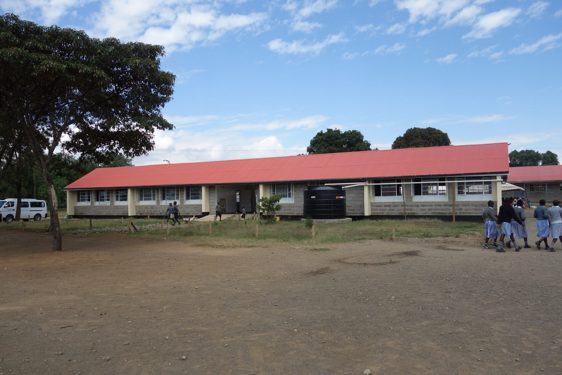 GILGIL PRIMARY SCHOOL – 2 NEW CLASSROOMS, ADMINISTRATION BUILDING, AND WATER HARVESTING SYSTEM
