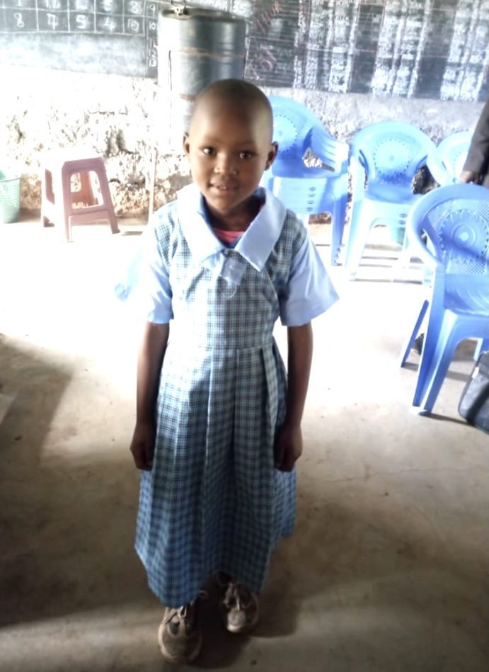 KOIGE PRIMARY SCHOOL – UNIFORMS AND SWEATERS FOR STUDENTS