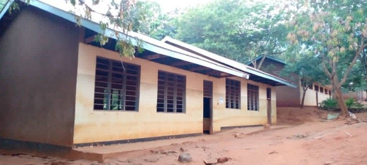 MKALAMO SCHOOL – 16 Toilets