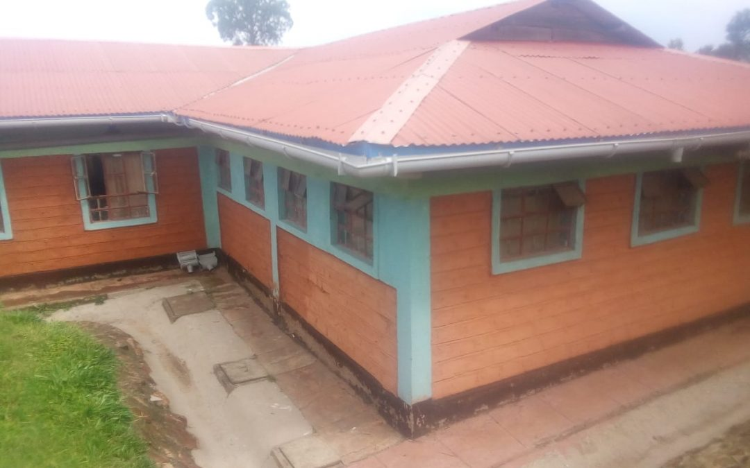 KENYA: NDANAI: NDANAI SMALL HOME – LEAKY ROOF REPAIR/WATER COLLECTION OVERHAUL