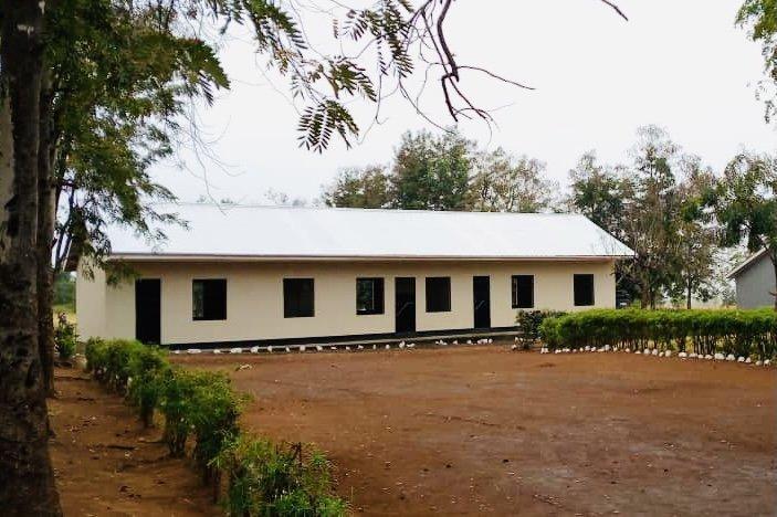 KASIGA PRIMARY SCHOOL – 2 Classrooms, 1 Office